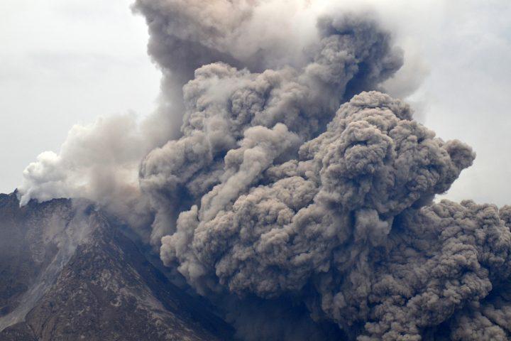 Eruption du Sinabung avec S. CHERMETTE - 2015