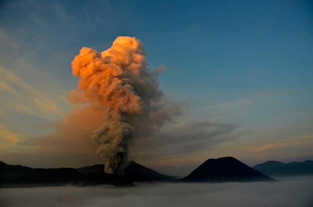 Eruption du Bromo avec S. Chermette - 2016